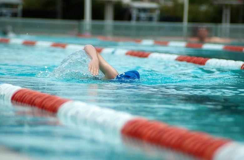 как плавать кролем правильно