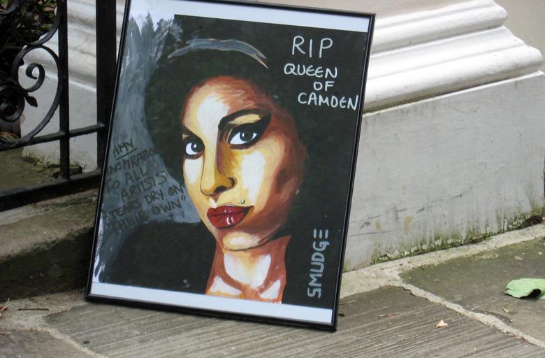 отчего умерла певица эми уайнхаус