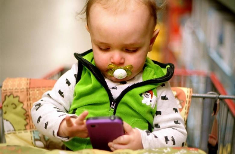 вреден ли сотовый телефон для ребенка