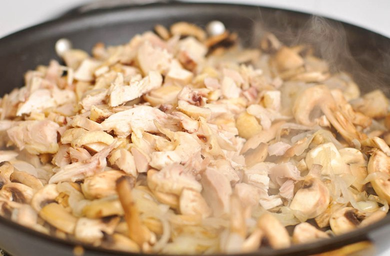 жульен с курицей и с грибами со сливками рецепт