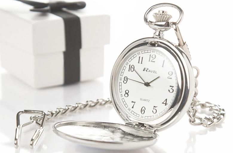 почему нельзя дарить часы любимому
