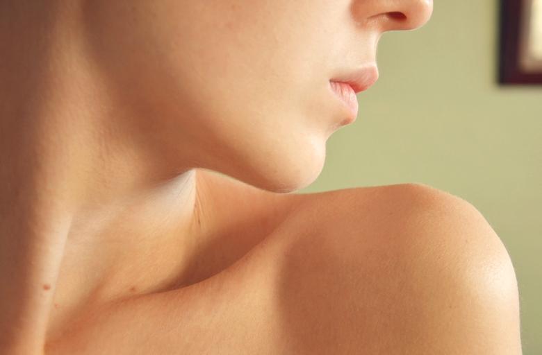Почему появляются папилломы на шее у женщин